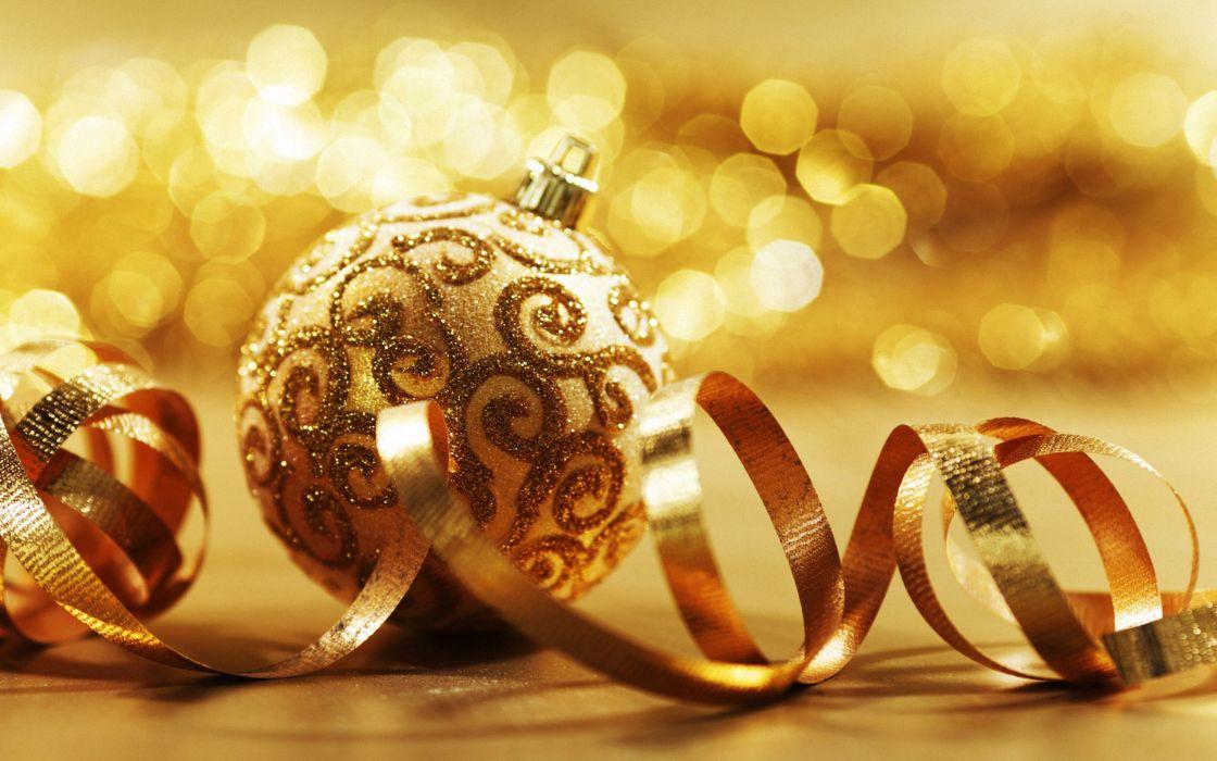 Gold christmas ball wallpaper