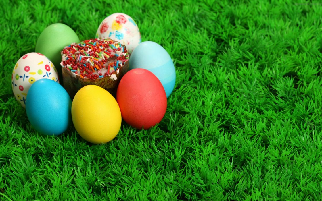 Colored Easter eggs wallpaper
