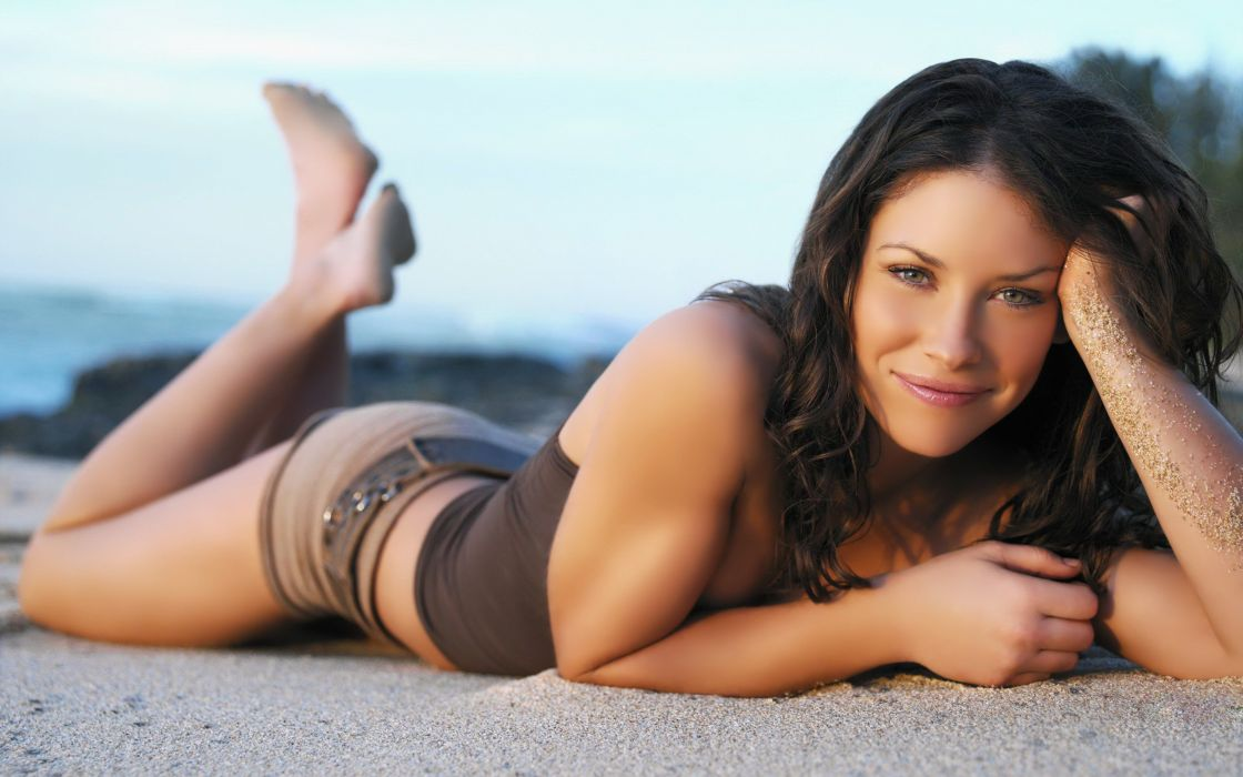 Evangeline Lilly on the beach wallpaper