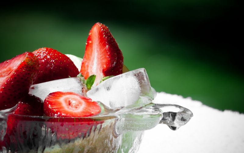 Strawberries and ice cubes wallpaper