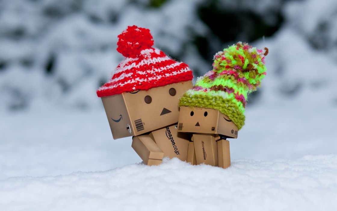 Danbo is scared by so much snow wallpaper