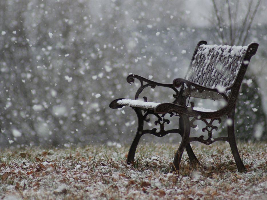 Snowy bench wallpaper