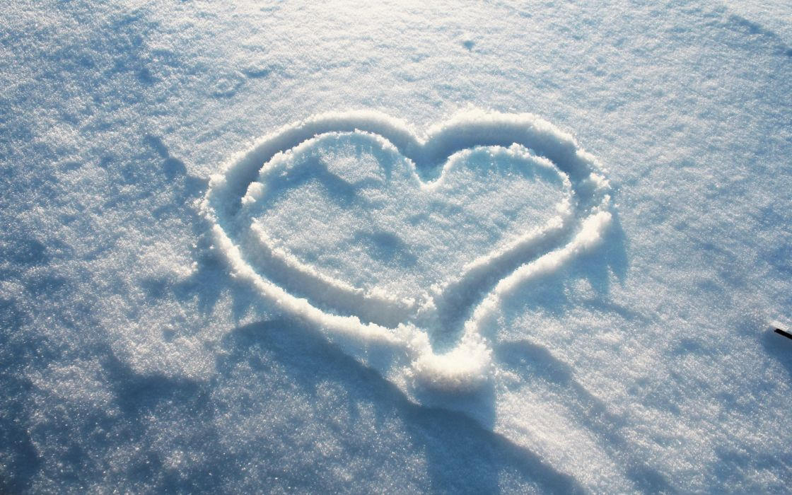 Snow heart wallpaper