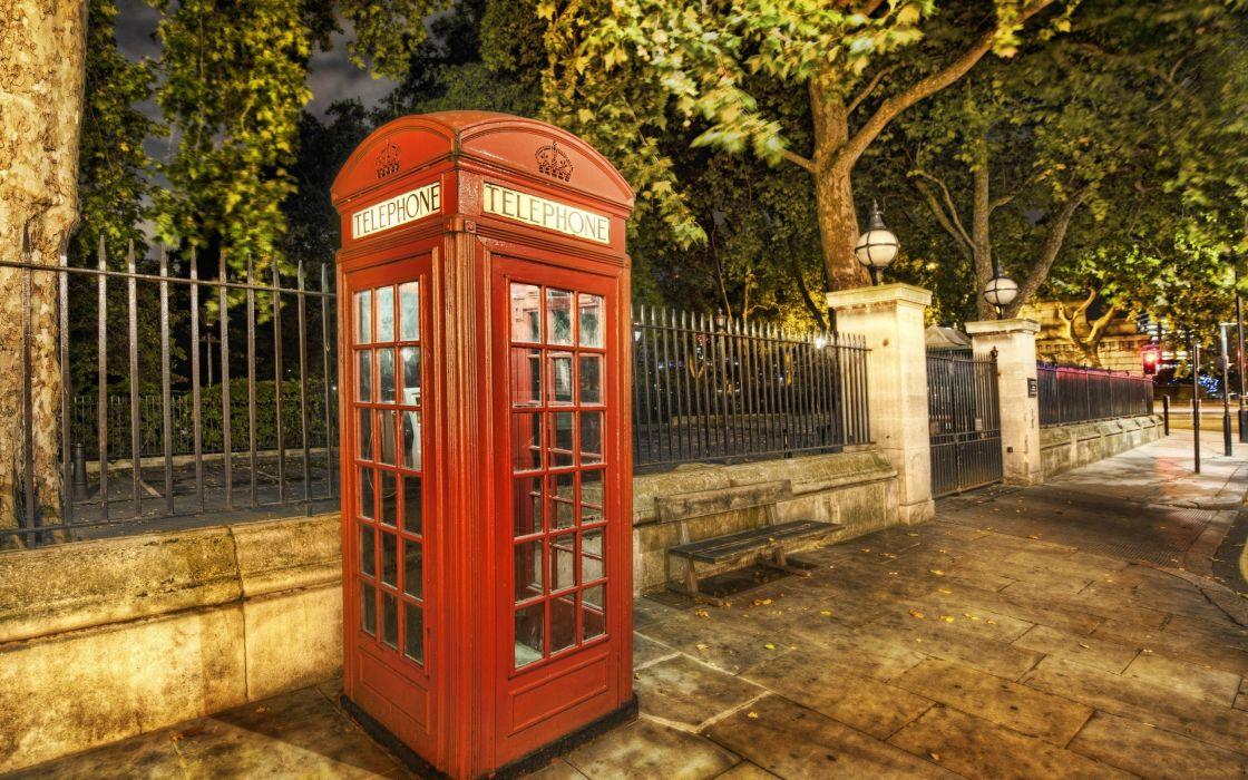 Lonely in London wallpaper