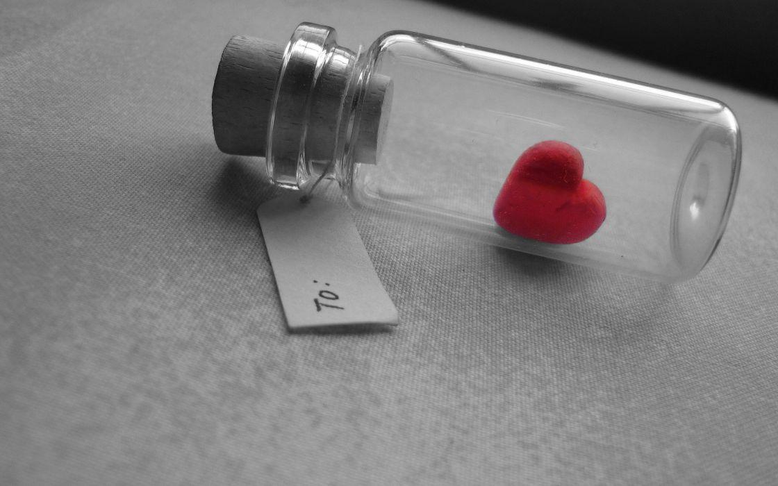 Heart in the bottle wallpaper