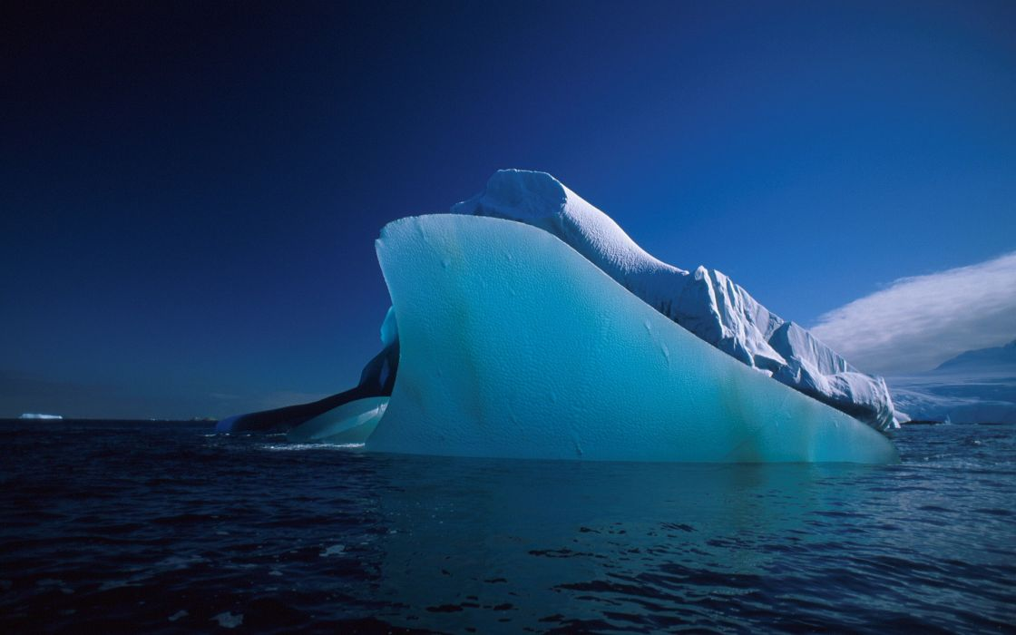 Antarctic iceberg wallpaper