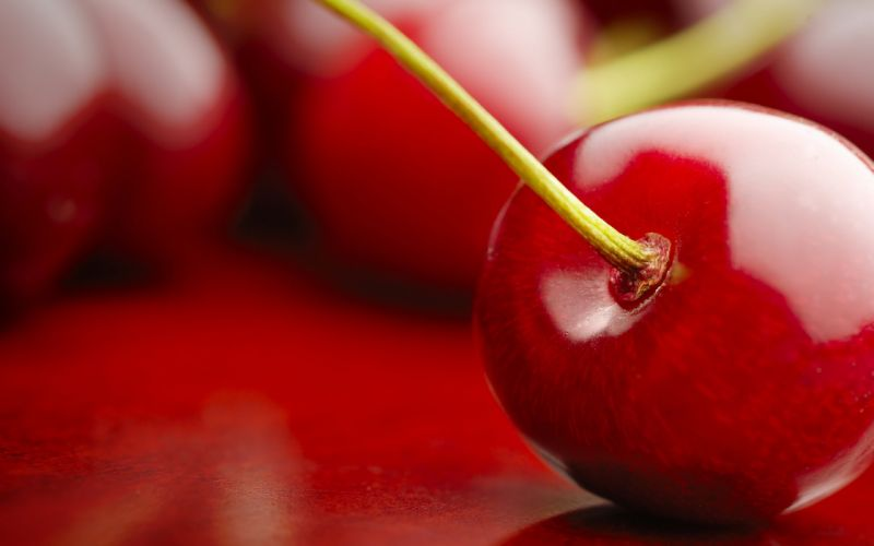 Perfect red cherry wallpaper