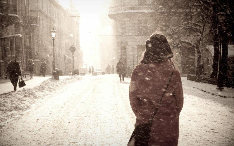 Walking in the snow wallpaper