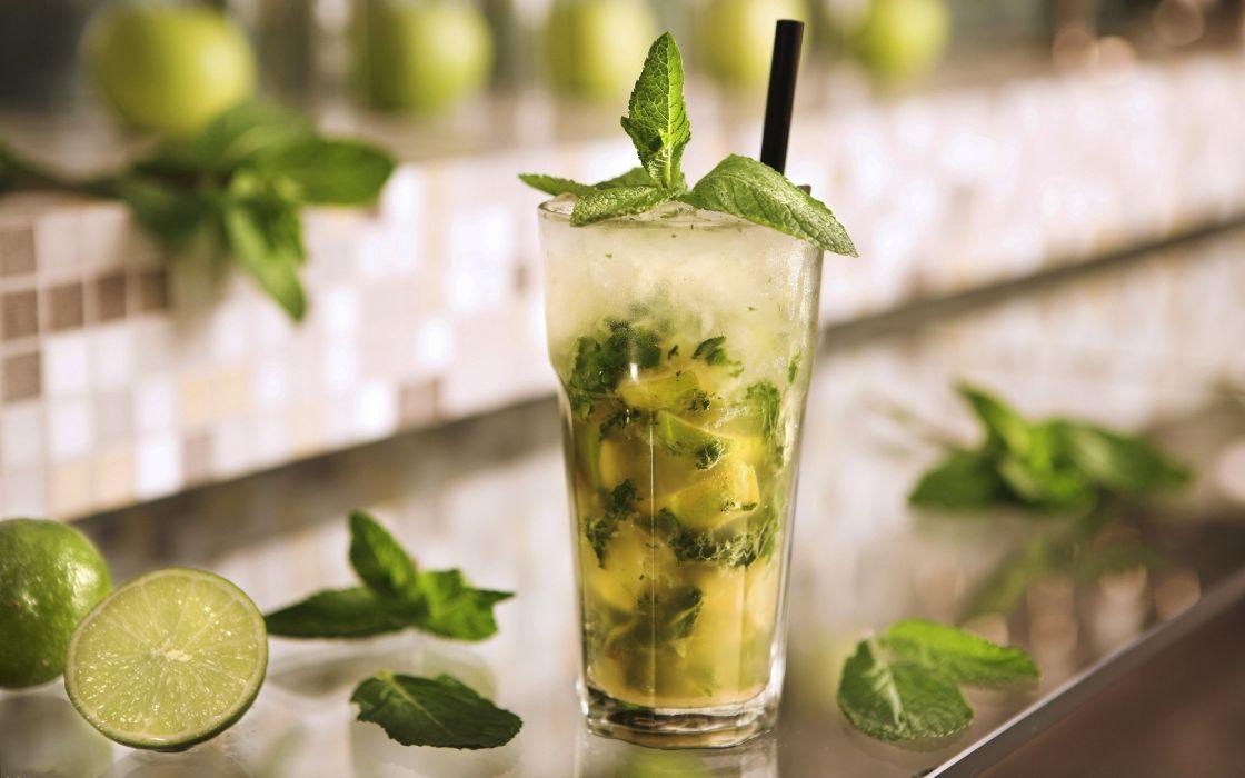 Green mojito cocktail wallpaper