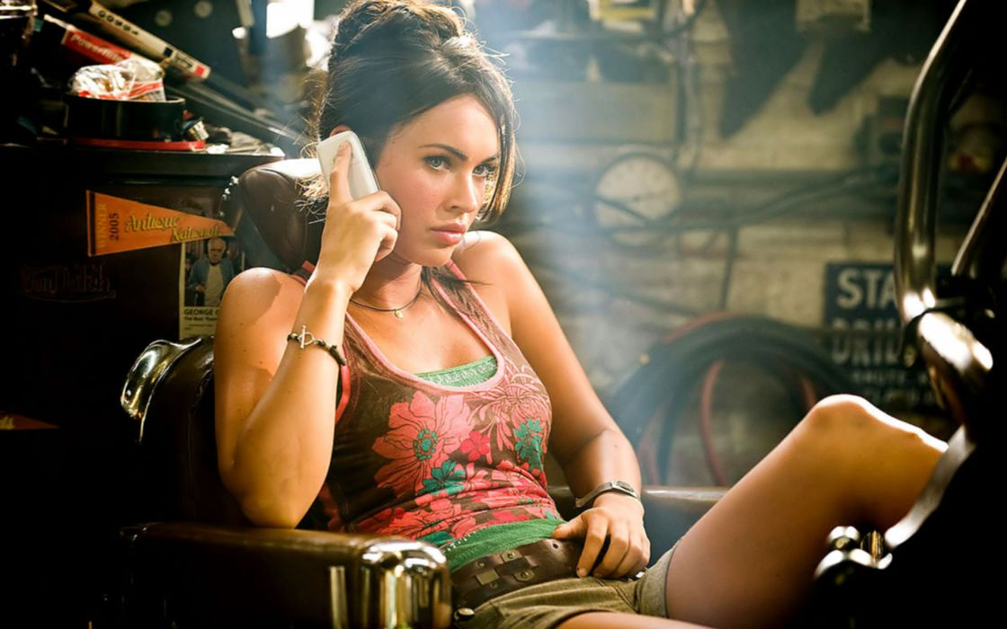 Megan Fox - Transformers Revenge of the fallen wallpaper