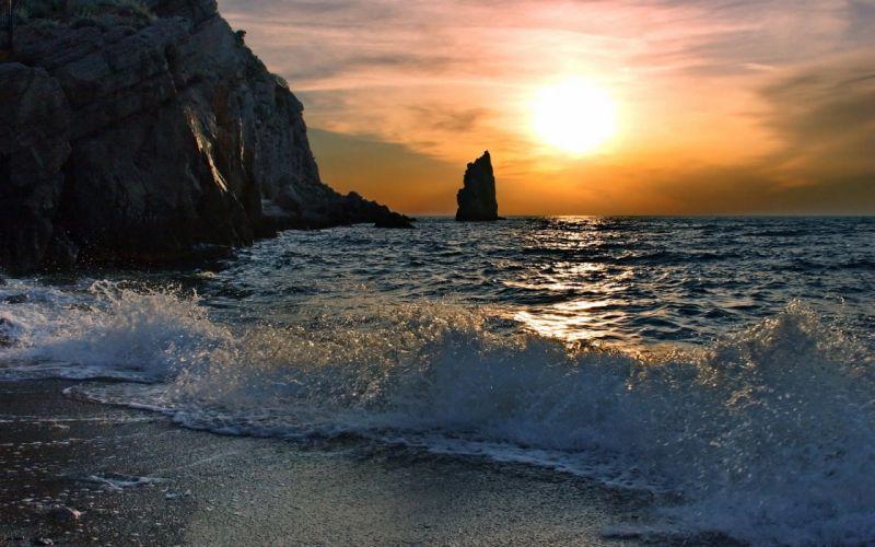 Restless sea wallpaper