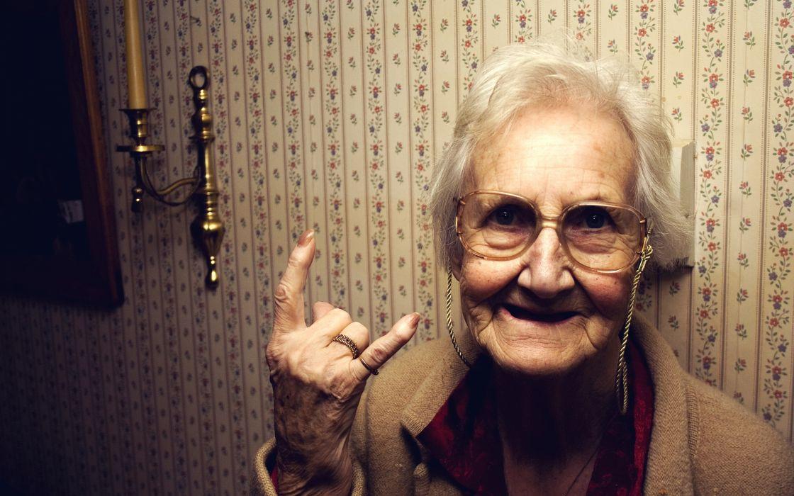 Rock granny wallpaper