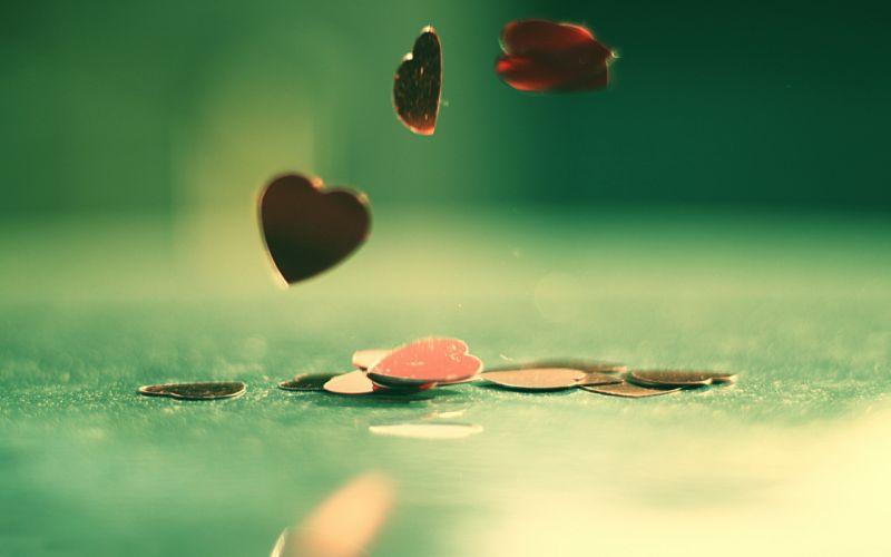 Hearts falling down wallpaper