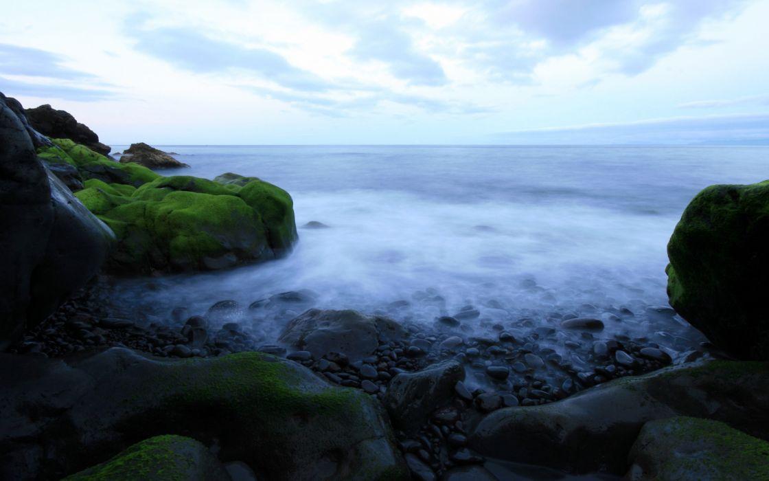 Paradise between the rocks wallpaper