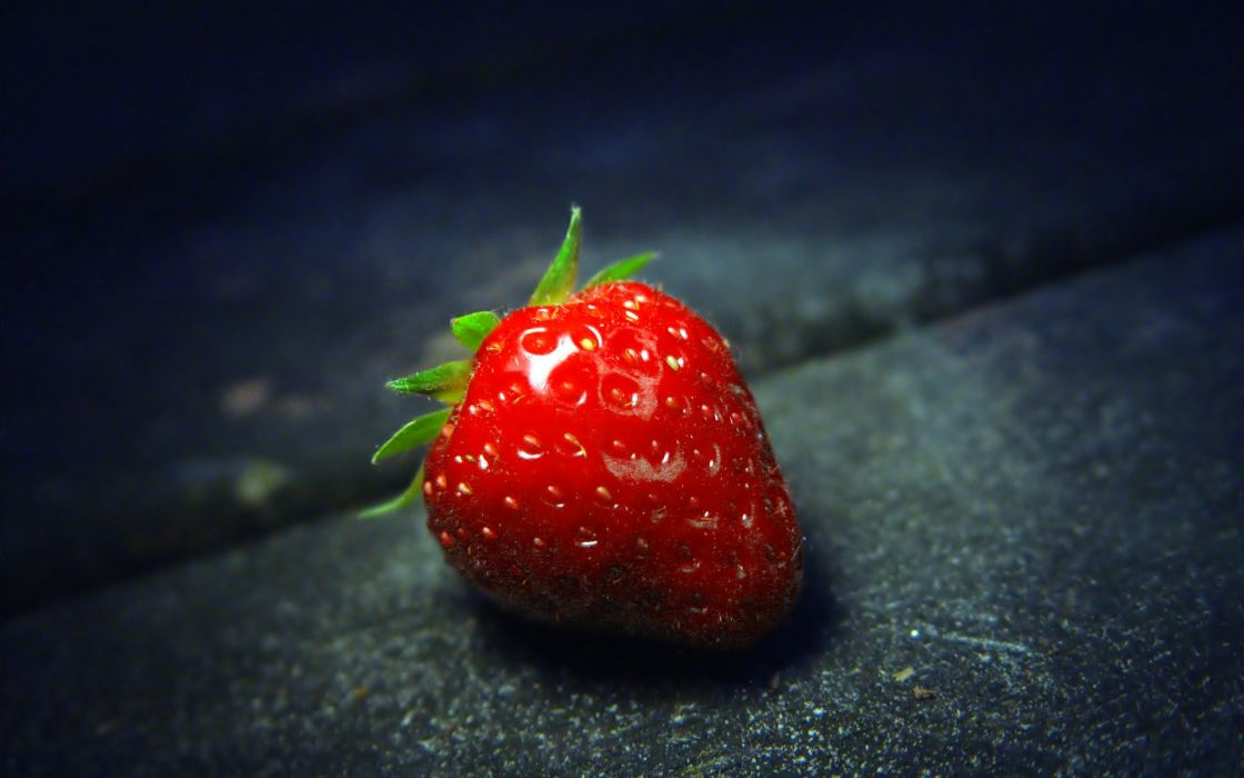 A strawberry close-up wallpaper