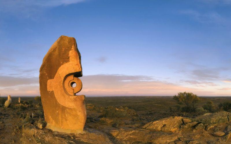 Broken hill sculpture wallpaper