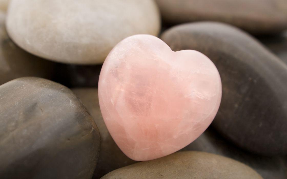 Heart rock wallpaper
