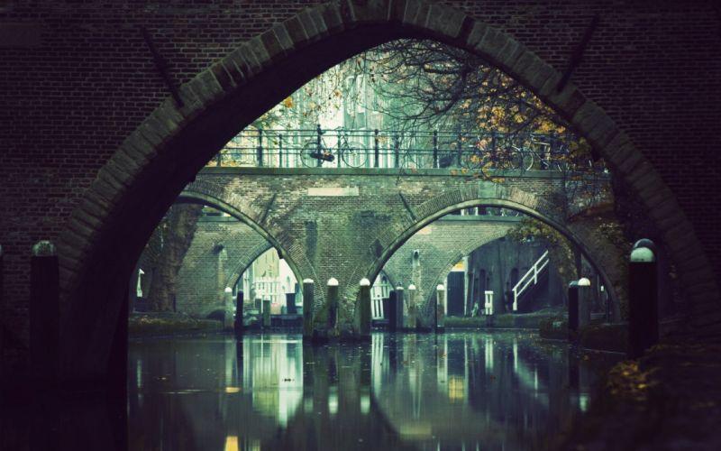 River and bridges wallpaper