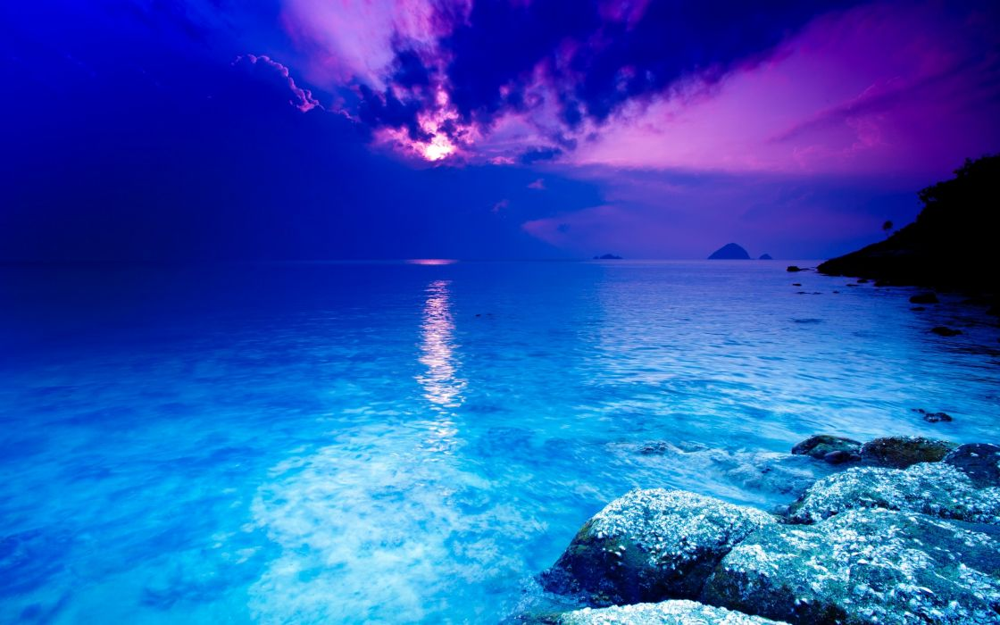 Crystal blue ocean wallpaper