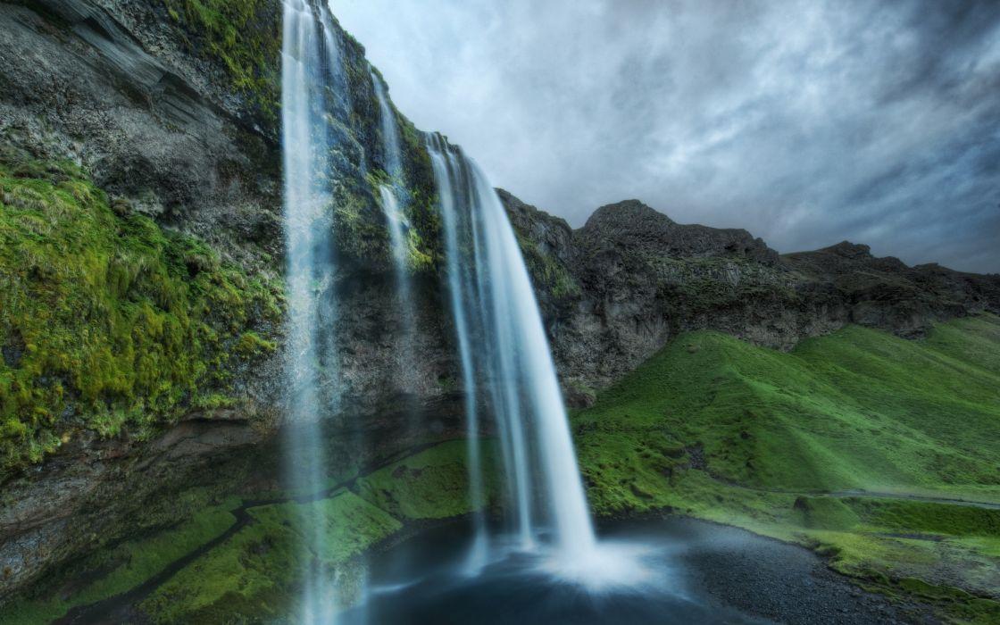 Waterfalls at midnight wallpaper