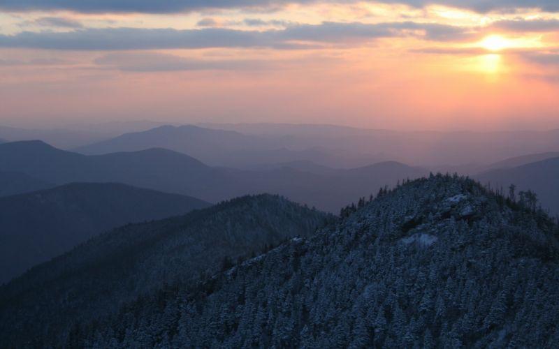 Glorious sun over the mountains wallpaper