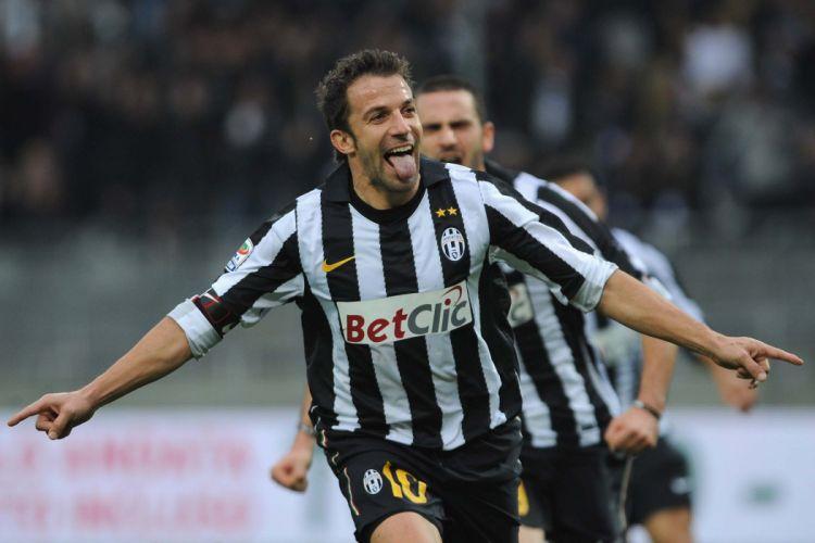 Del Piero after a goal wallpaper