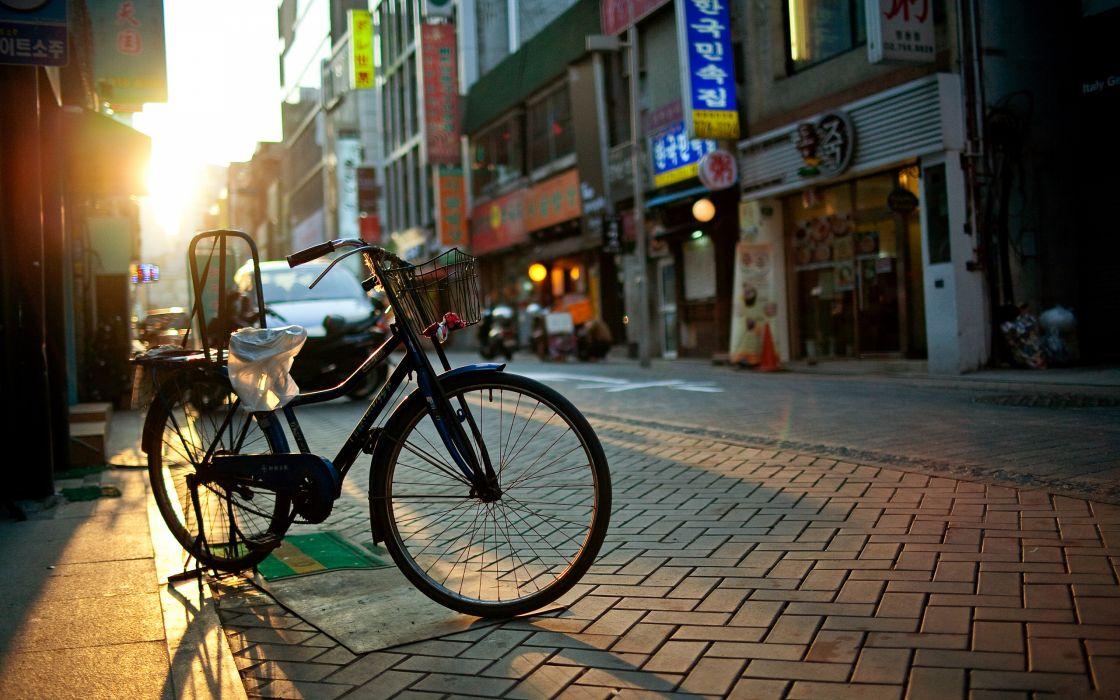 City bicycle wallpaper