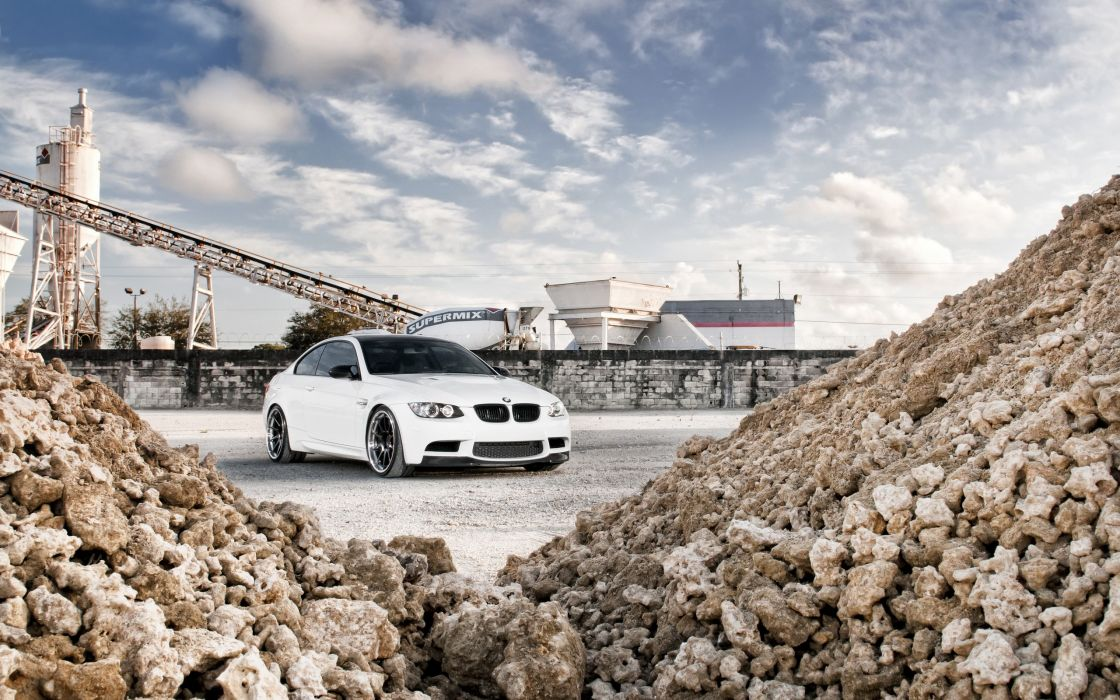 White BMW GTR M3 wallpaper