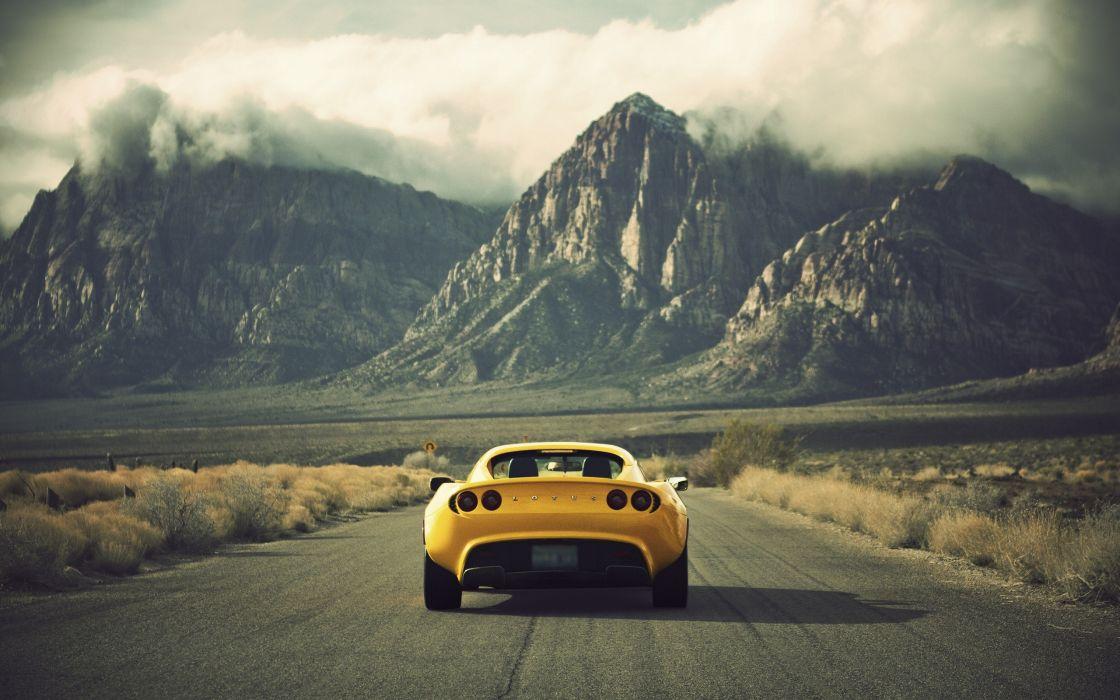 Yellow Lotus car wallpaper