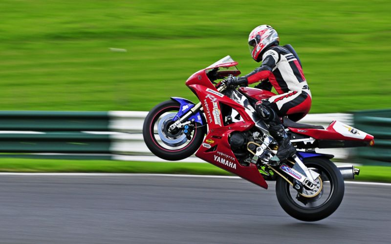 Yamaha at full speed wallpaper