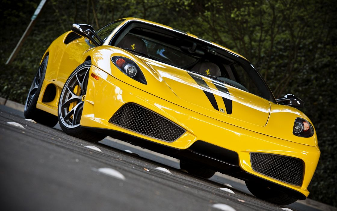 Amazing yellow Ferrari wallpaper