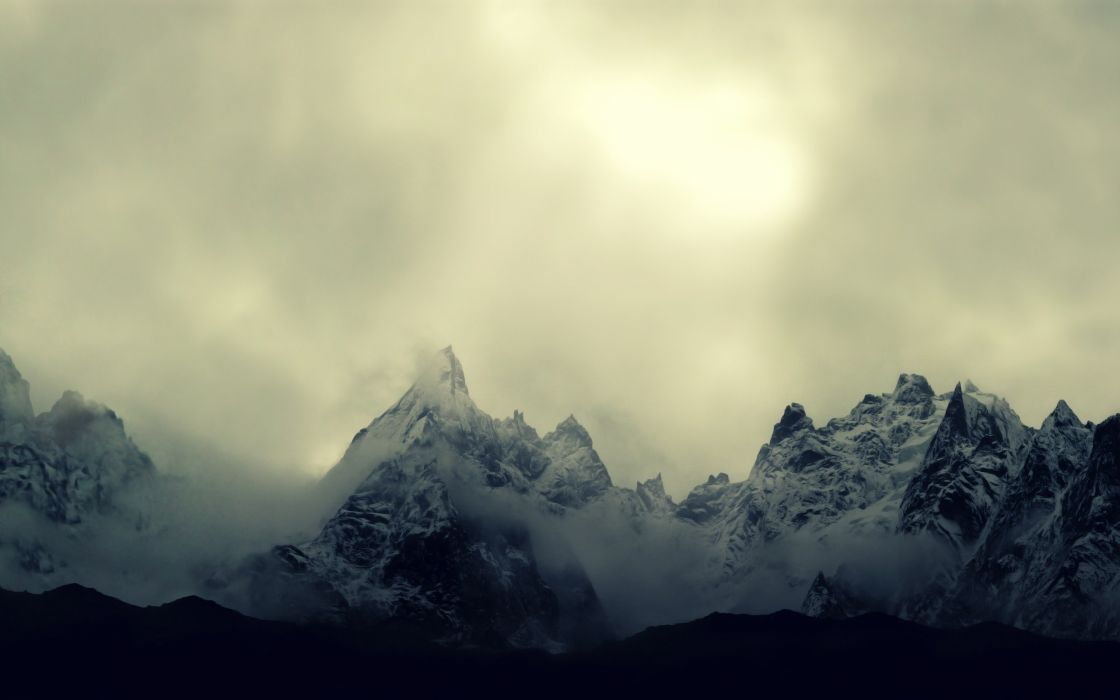 Winter mountains with snow wallpaper