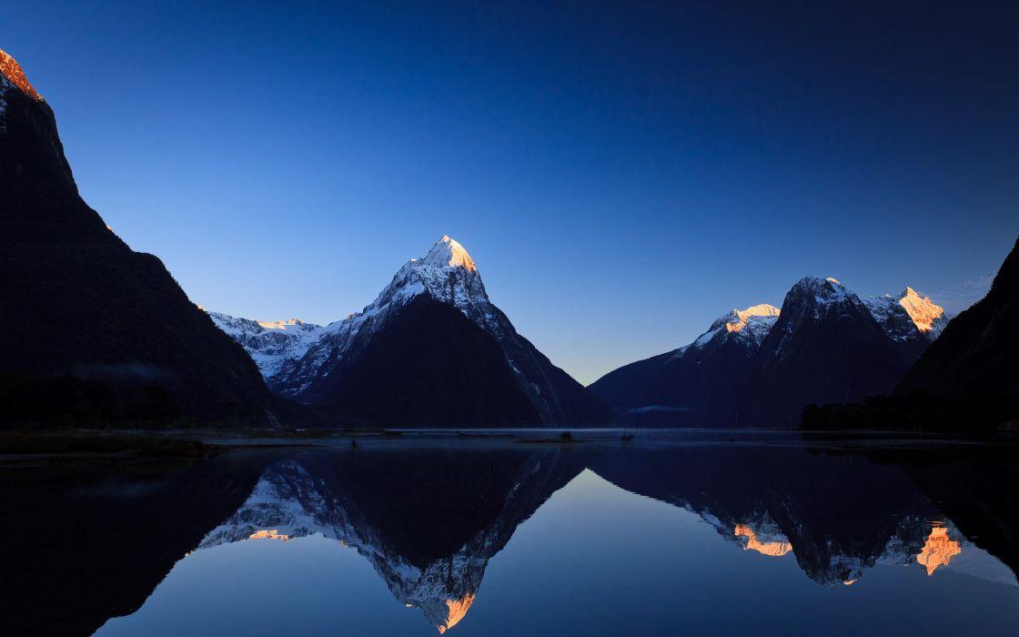 Milford sound sunrise - New Zealand wallpaper