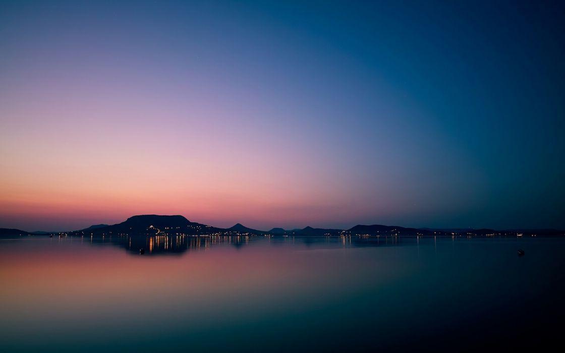 Peaceful lake wallpaper