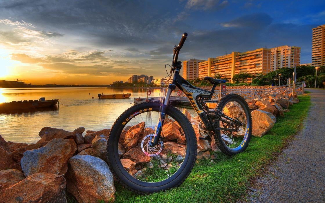 City bike HDR wallpaper