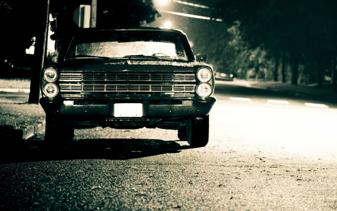 Ford galaxie in the street wallpaper