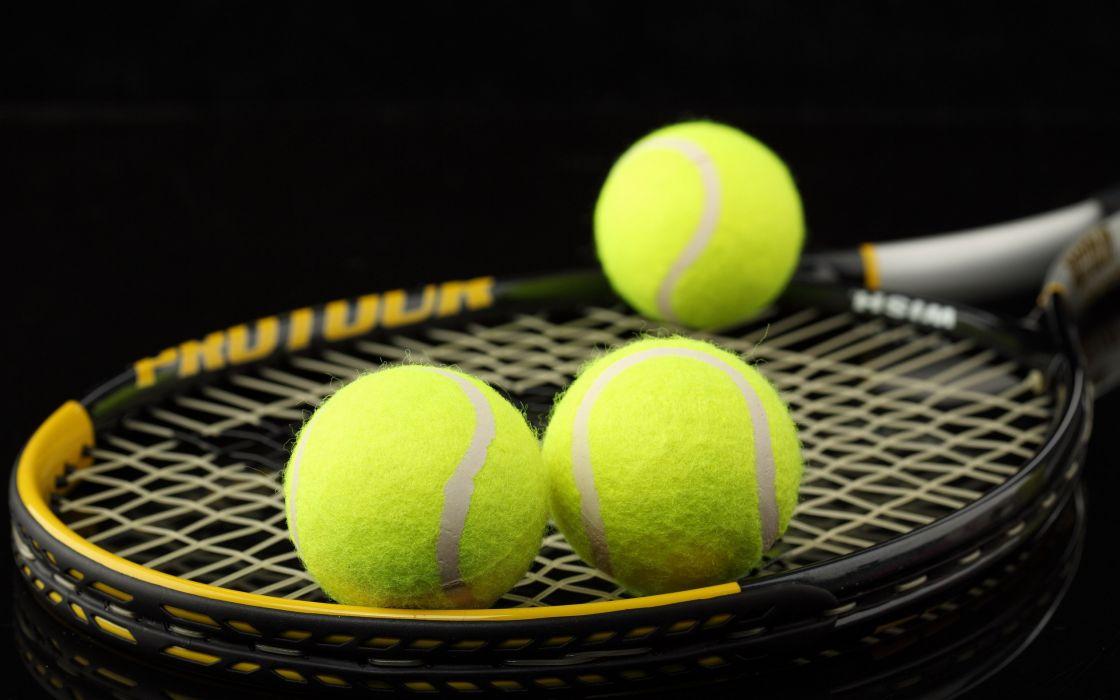 Tennis balls wallpaper