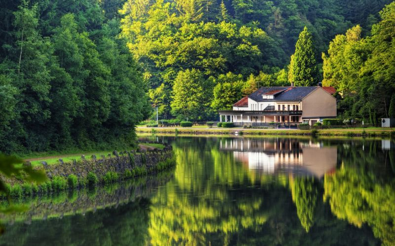 House Close To Nature wallpaper