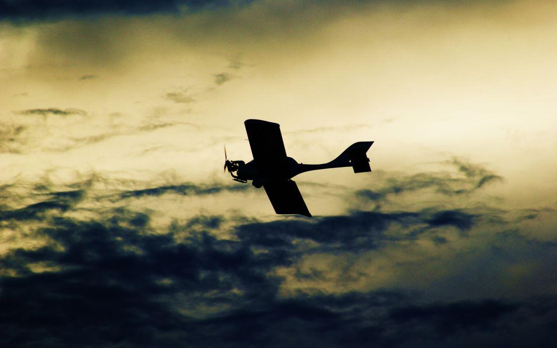 Aeroplane on sky wallpaper