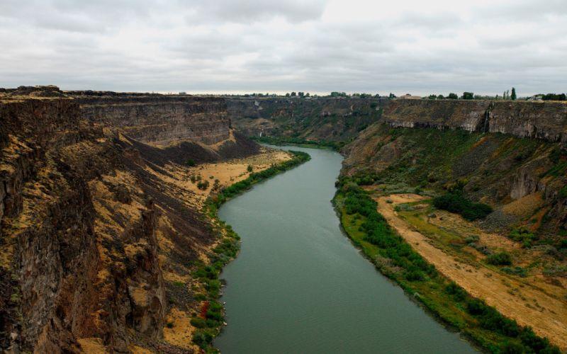Canyon river wallpaper