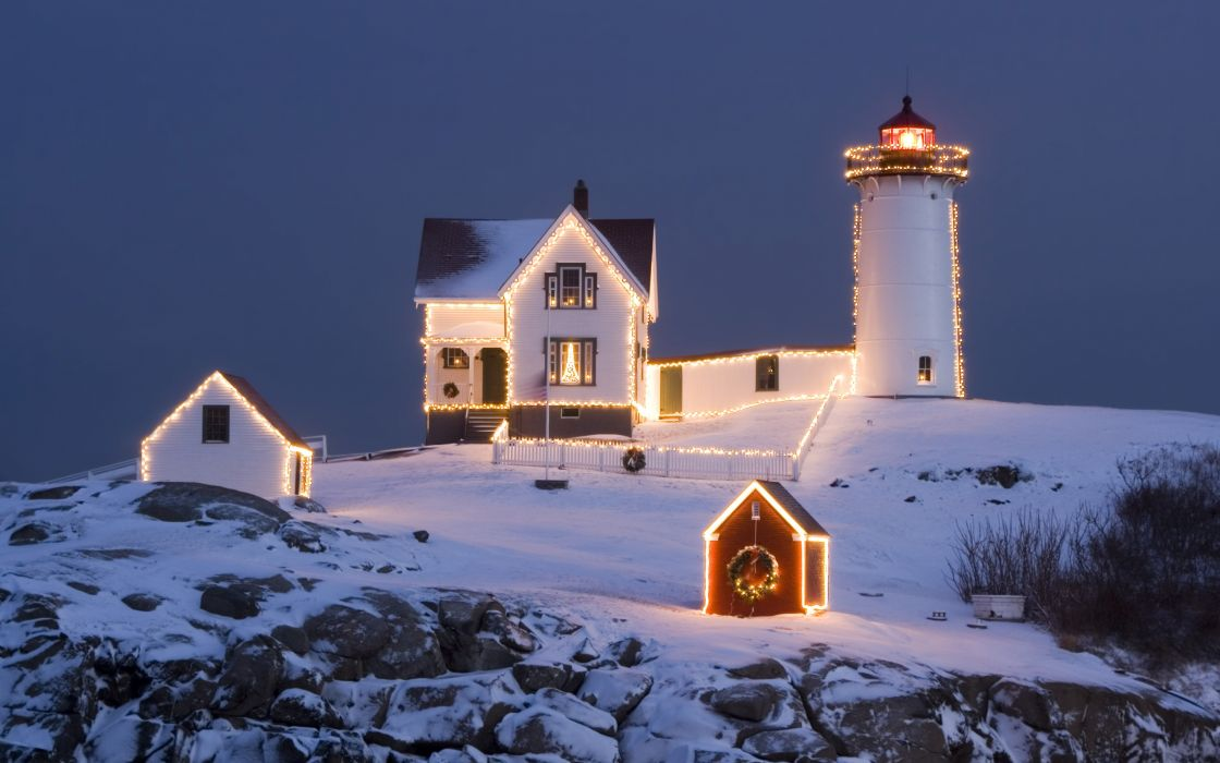 Christmas Lighthouse wallpaper