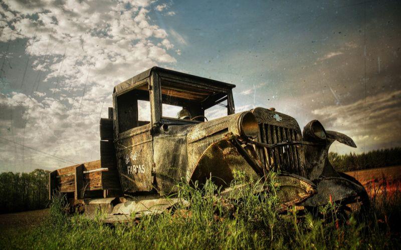 Abandoned old car HDR wallpaper