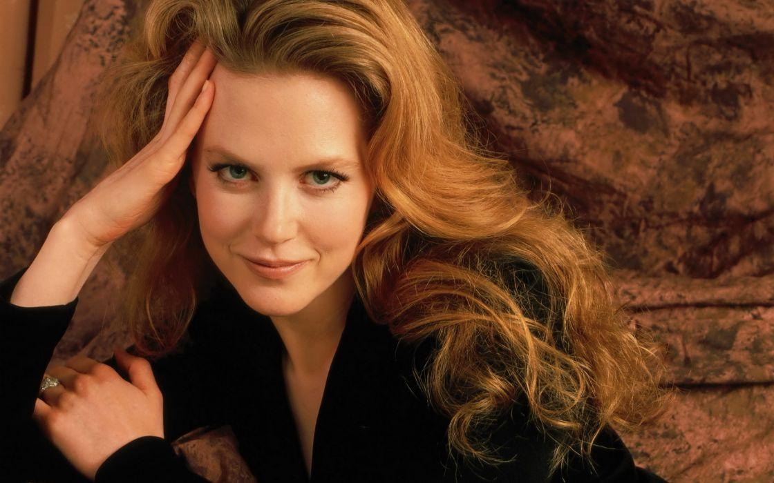 Nicole Kidman smile wallpaper