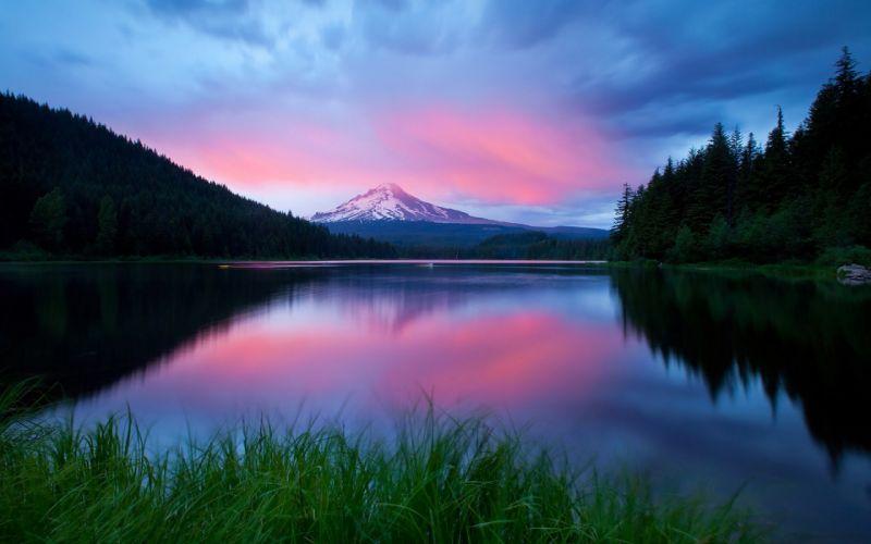 Superb lake and mountain wallpaper