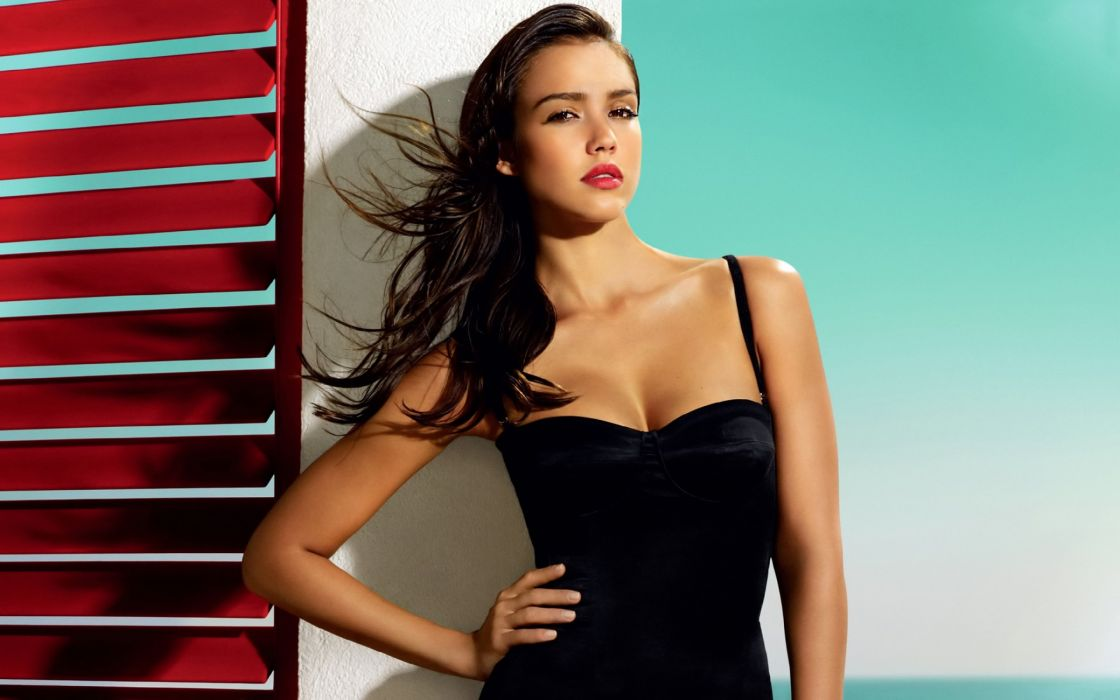 Jessica Alba black dress wallpaper