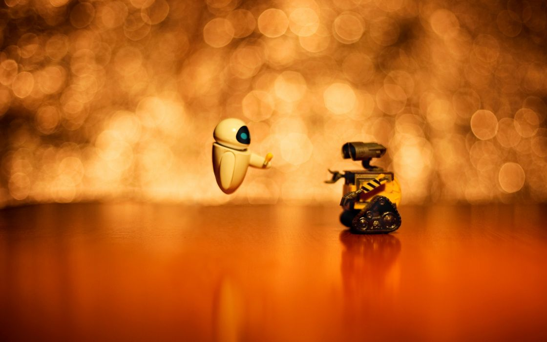 Wall-E and Eve wallpaper