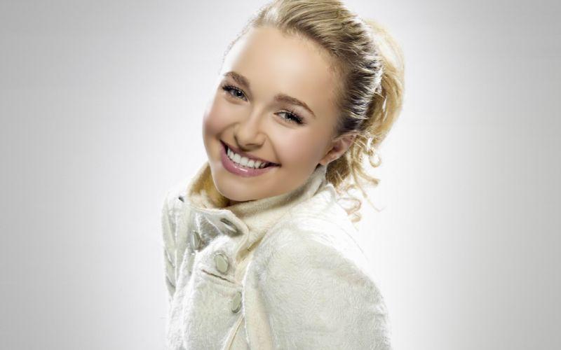 Hayden Panettiere beautiful smile wallpaper