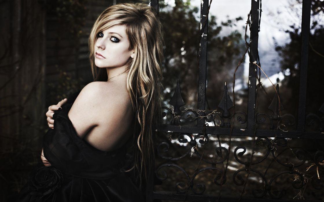 Avril Lavigne goodbye lullaby wallpaper