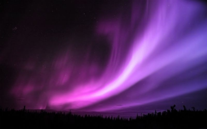 Purple aurora borealis wallpaper