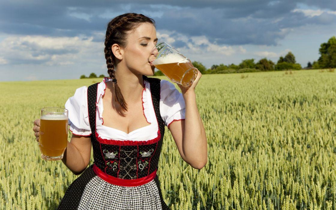 The beer girl wallpaper